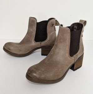3/$250 - Steve Madden leather chunky chelsea boots